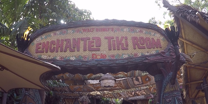 enchanted-tiki-room-when-it-rains-at-disneyland